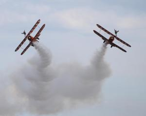 brieting_wingwalkers5